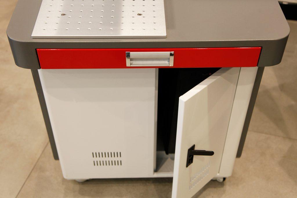 Masalı Fiber Markalama Makinesi