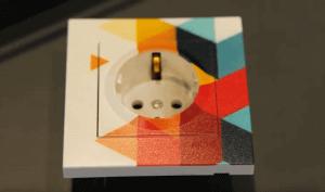 UV Printer ile Plastik (Elekrik Prizi) Üzerine Dekoratif Baskı