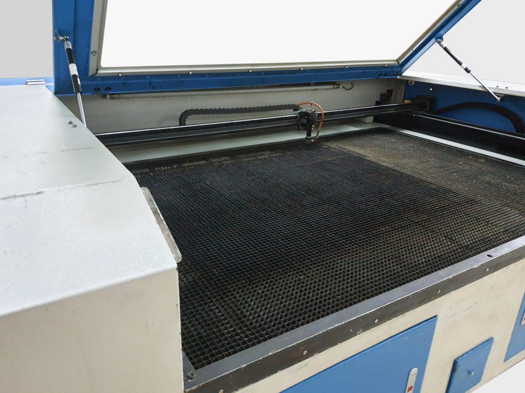150×100 İkinci El Lazer Kesim Makinesi