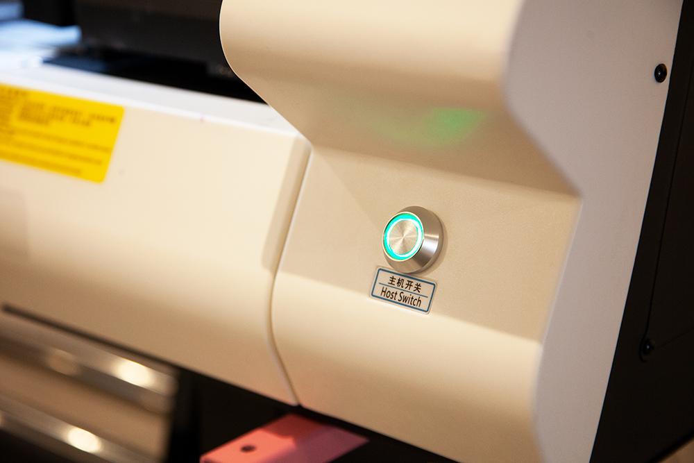 Rulodan Ruloya UV Baskı Makinesi