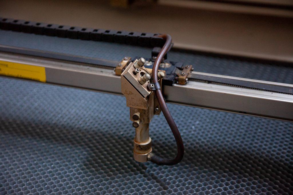 Lazer Kesim Makinesi 80W Yeni Tüp Hediyeli