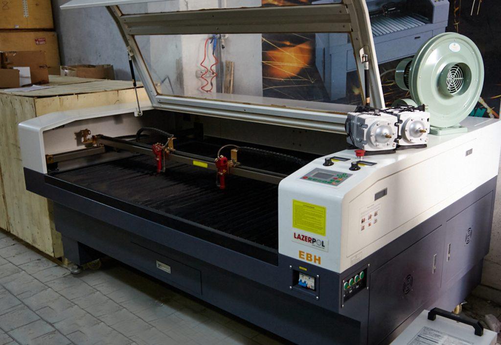 160×100 Çift Kafa Lazer Kesim Makinesi 130W